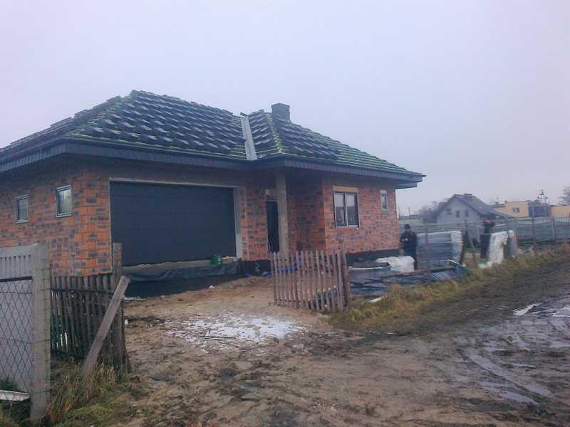 Wciąganie dachówki Bogen Reform C-11 antracyt angoba w okolicy Ostrowa Wielkopolskiego