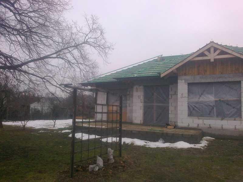 Montaż przez naszą firmę dekarską rynien stalowych Plannja w okolicy Ostrowa Wielkopolskiego