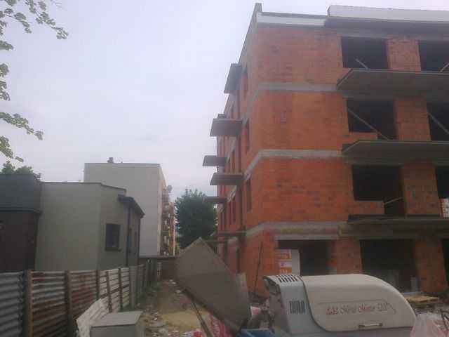 Grzanie papy na balkonach i opierzenie balkonów