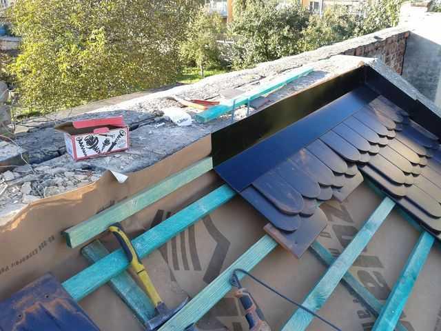 Montaż dachówki karpiówki