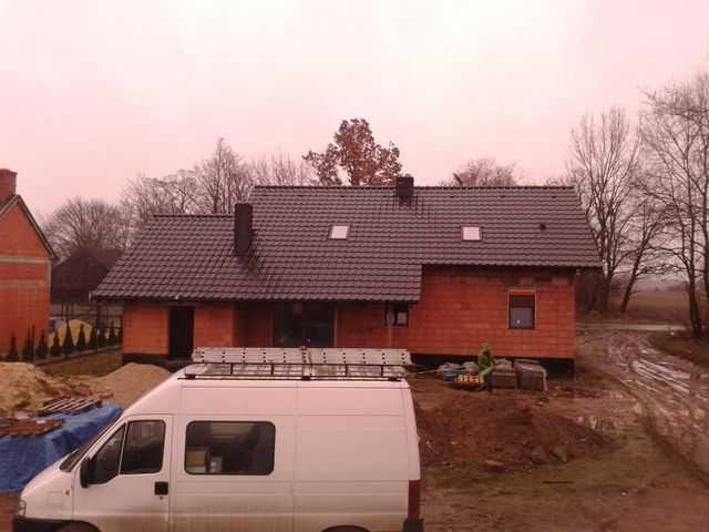 dach w dachówce ceramicznej Koramic Alegra 9