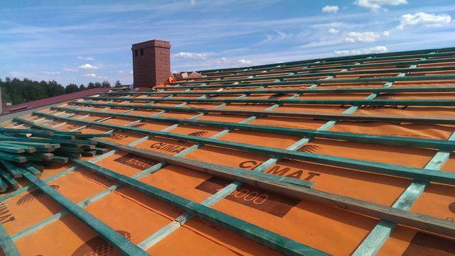 Łacenie dachu Ostrów
