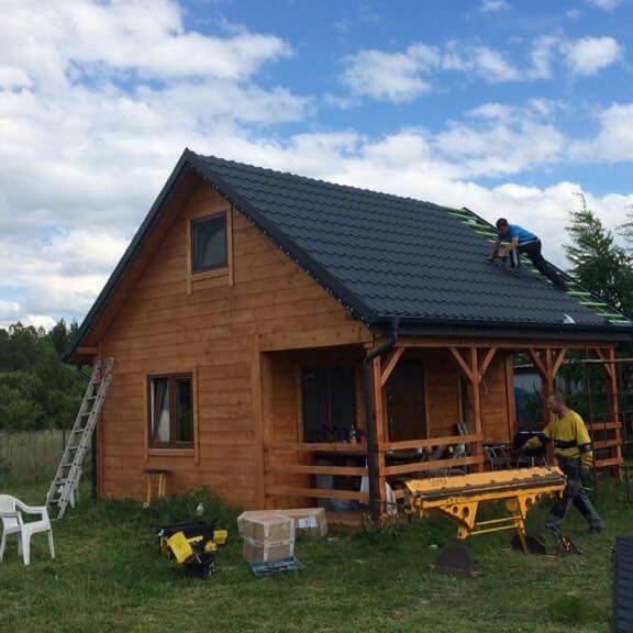 Dwuspadowy dach z blacho dachówki Plannja