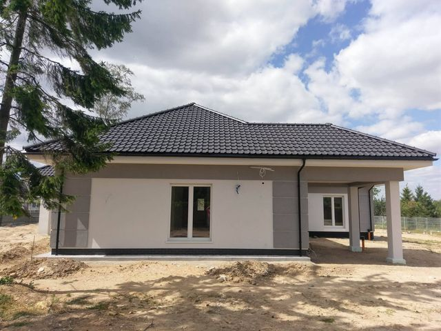 montowanie więźby dachowej i pokrycia z dachyostrow