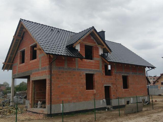 montaz-dachowki-w-srodzie-wielkopolskiej-komin-oblozony-plytka-struktonitowa